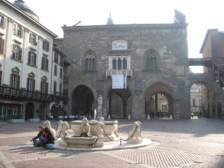 Bergamo's beautiful Piazza Vecchia