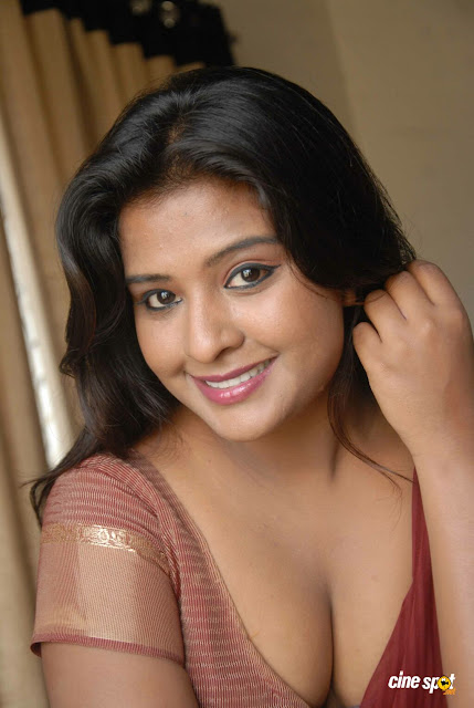 aunty photos gallery