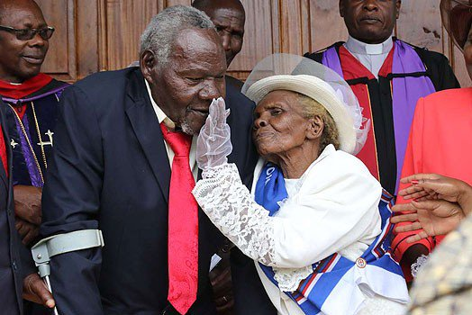 Photos: After 63 years of living together, ten children, 21 grandchildren, many great grandchildren, Kenyan man, 94, finally weds his 93-year-old lover