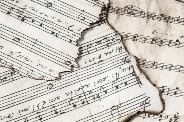 Terusik Musik, Al Quran Ditinggalkan