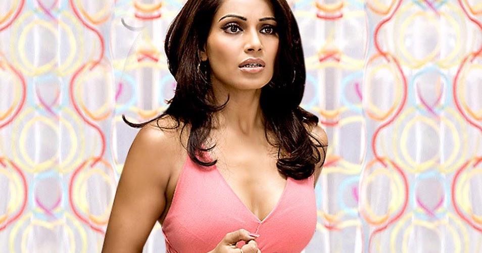 Sapna Vyas Patel Ki Nangi Photo: Swimsuit , Bikini Girls: Bipasha Basu Beautiful Pictures