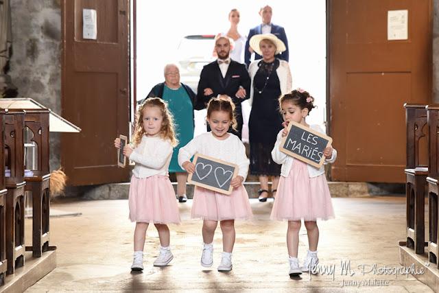 entrée des enfants d'honneur dans l'église photo