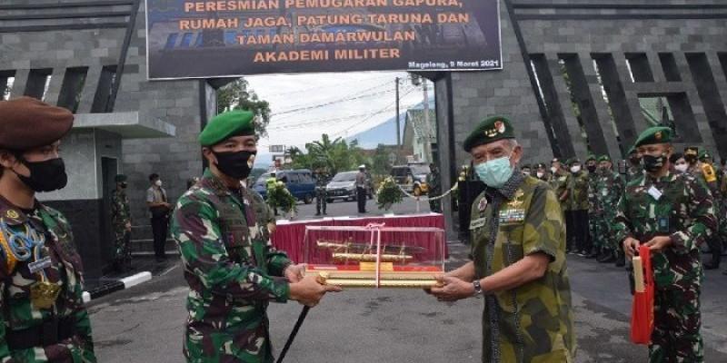 Gubernur Akademi Militer Lakukan Penyegaran Dalam Lingkungan Akmil Magelang