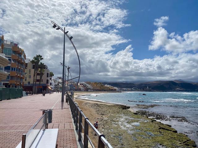 Promenade next to Playa de las Canteras beach, Las Palmas, Gran Canaria, Spain