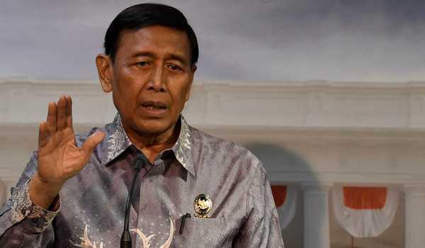 Wiranto Minta Pengungsi Gempa Ambon Kembali ke Rumah