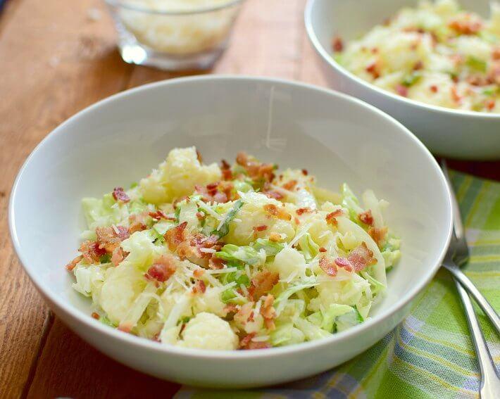 Aprovecha las propiedades nutritivas del coliflor preparando esta refrescante ensalada