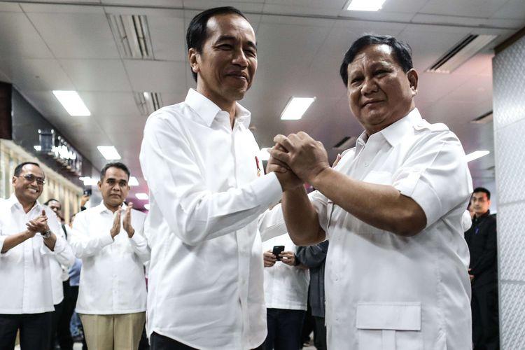 Survei: Dibanding Jokowi, Sosok Prabowo Lebih Mampu Tingkatkan Kesediaan Masyarakat Divaksin
