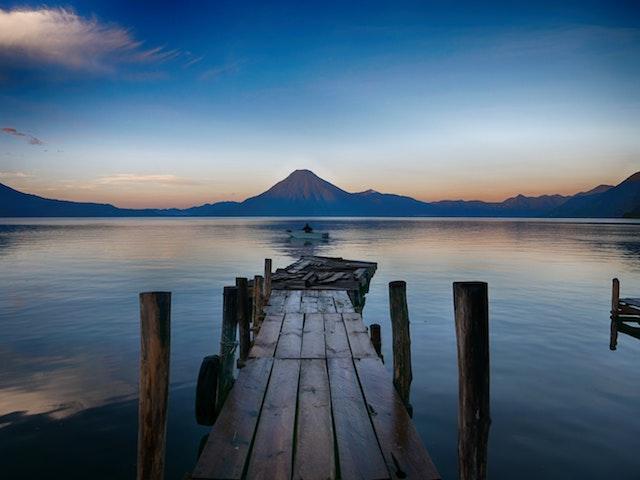 panorama Guatemala lago vulcano