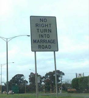 आज हम आपके लिए कुछ ऐसे ही Funny Sign Board Images लेकर आये हैं जिन्हें देख आप अपनी हंसी नहीं रोक पाएंगे. तो दोस्तों यह हैं कुछ ऐसी मजेदार तस्वीरें जिन्हें देख आपका हंसी के मारे बुरा हाल होगा.