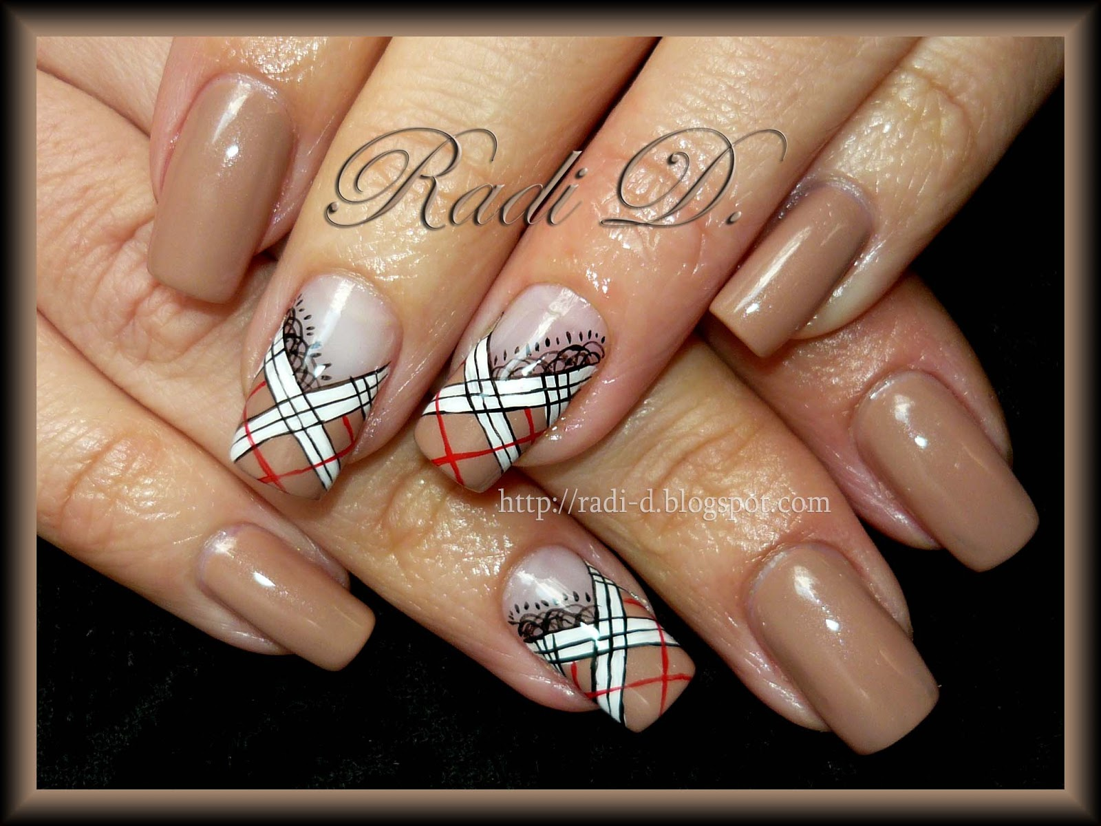 It`s all about nails: Burberry And Lace