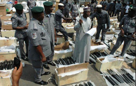 661 Pump Action Rifles: Fleeing Customs Officers Surrender