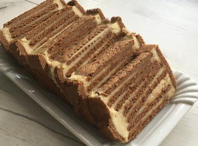 Ciasto z herbatnikami i kremem orzechowym