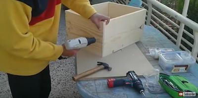 Οδηγίες βήμα βήμα: Πως να φτιάξετε μόνοι σας τις κυψέλες σας!!! Κατασκευή πατώματος της κυψέλης VIDEO