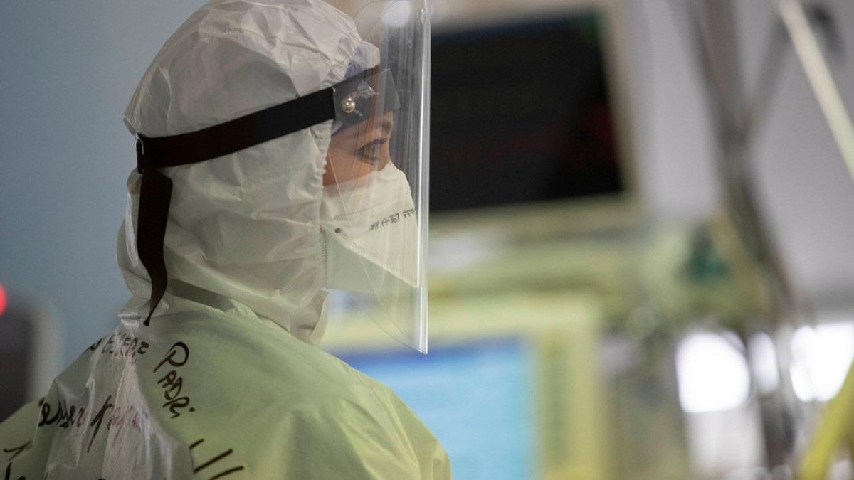 Βασιλακόπουλος: Η πανδημία στην Ελλάδα είναι σε τρομερά μεγάλη ύφεση
