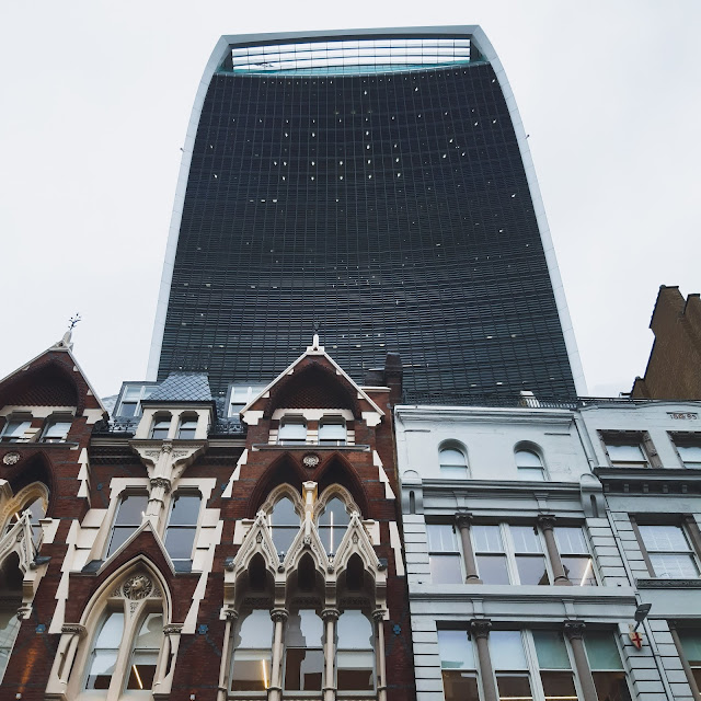 Photo of the walkie talkie building in london