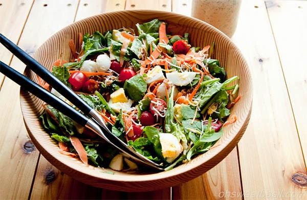 السلطة الخضراء غذاء مفيد وصحي