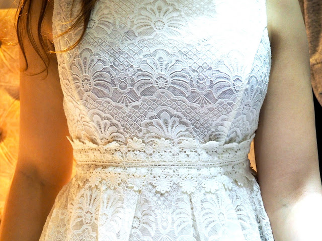 Night & Day | outfit details of white lacy dress