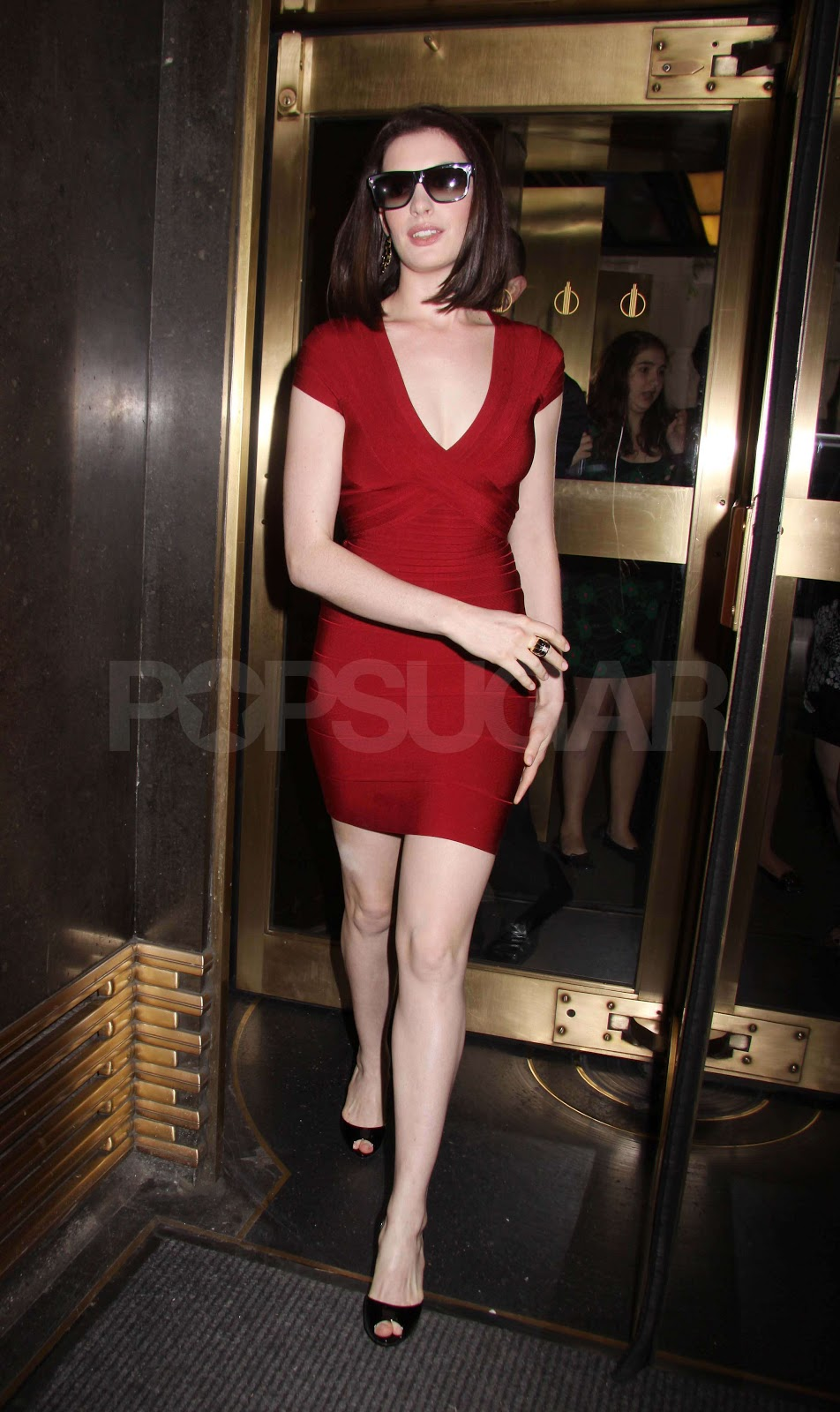 herve leger sightings anne hathaway spotted in new york for an view all anne hathaway posts website wiki twitter instagram facebook imdb