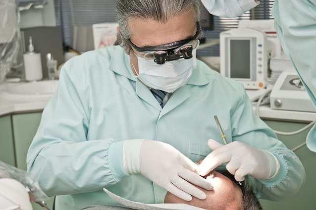 هل زراعة الأسنان تؤلم؟ 