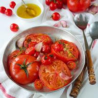 http://siasoulfood.blogspot.de/2015/08/gegrillter-tomatensalat.html