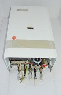 Cara Menghilangkan Air di Water Heater yang Membau