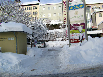 11. Januar 2019. Der Parkplatz für die Beamten des Forstamtes war jederzeit bemerkenswert gut geräumt.