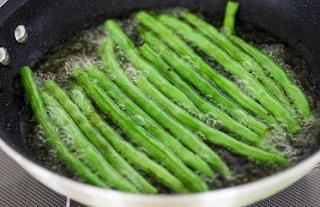 Makanan Enak Bagi Penderita Kolesterol? Cek Resep Masakan Penurun Kolesterol Paling Mudah Dibuat Ini!