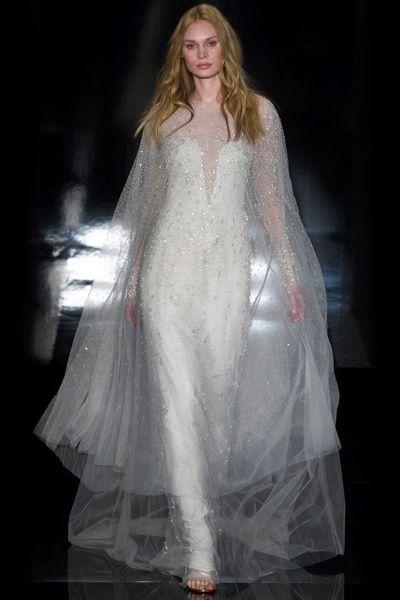 Lindos vestidos de novias | Colección Escote Ilusión