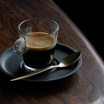 Bebemos um Café?
