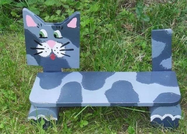 скамейка-кошка