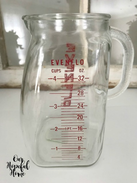 4 cup glass Evenflo measuring cup