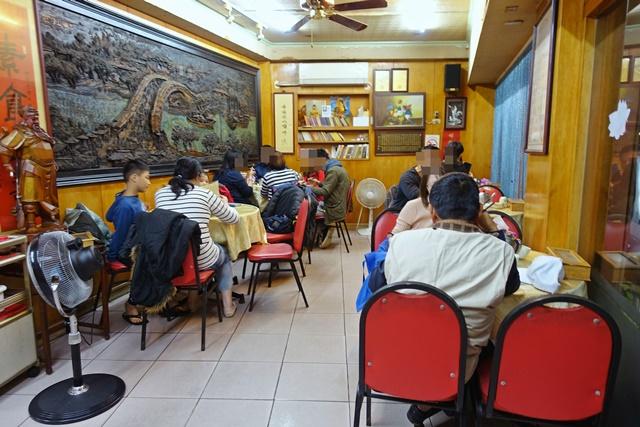 世界素食館~台北市中山區隱身巷弄素食熱炒、捷運中山站素食