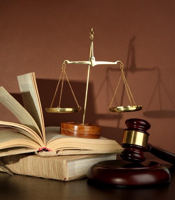 التمييز بين القواعد القانونية وغيرها من القواعد الاجتماعية الأخرى كالدين والقانون والأخلاق