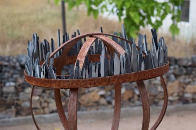 Maria Leal da Costa, jardines con esculturas, esculturas para jardines, ideas para jardines