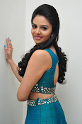 srmukhi new gorgeous looking sills-thumbnail-10