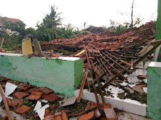 Kerugian Materi Puting Beliung Di Kabupaten Cirebon 1,7 Miliar