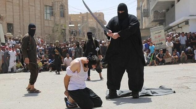 وزير الدفاع الفرنسي يحذر : مصر وتونس ستكونان وجهة داعش بعد ليبيا