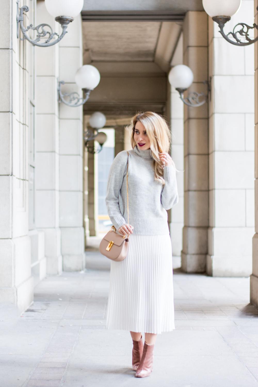 ab363913ac OOTD - White Pleats for Winter | La Petite Noob | A Toronto-Based ...