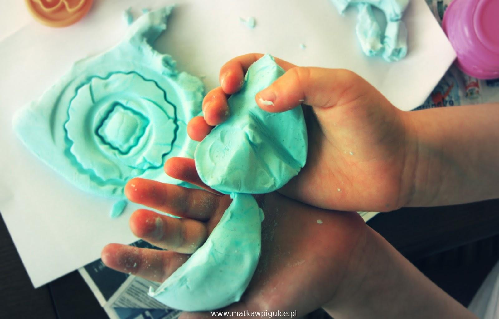 Ciastolina, masa solna, kreatywne zabawy z dzieckiem.