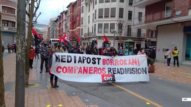 CNT se manifiesta en Barakaldo en protesta por los despidos en la empresa de buzoneo Mediapost