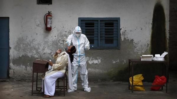 Terus Naik, Kasus Corona India Bertambah 90 Ribu Dalam Sehari