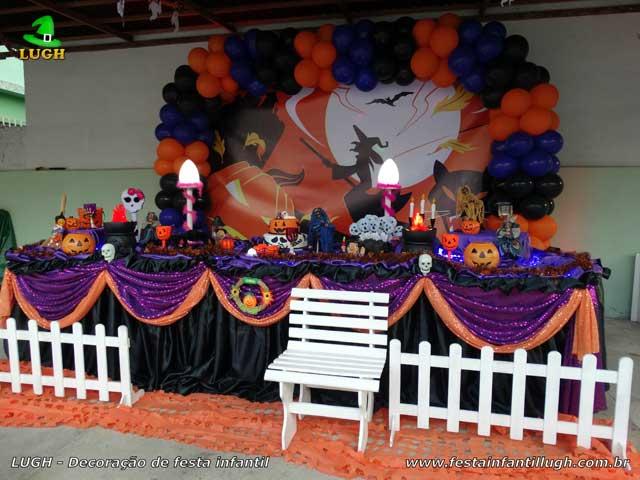 Decoração de aniversário tema Halloween - Mesa temática infantil tradicional de tecido luxo - Festa no Recreio RJ