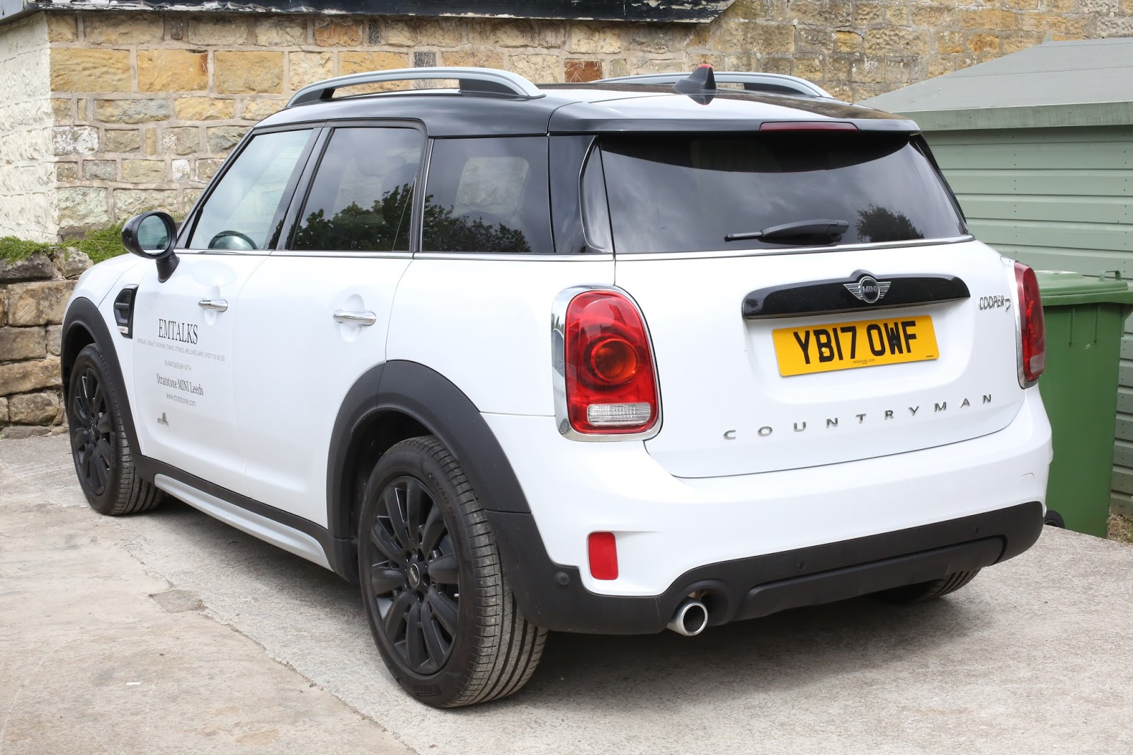 white countryman mini all 4