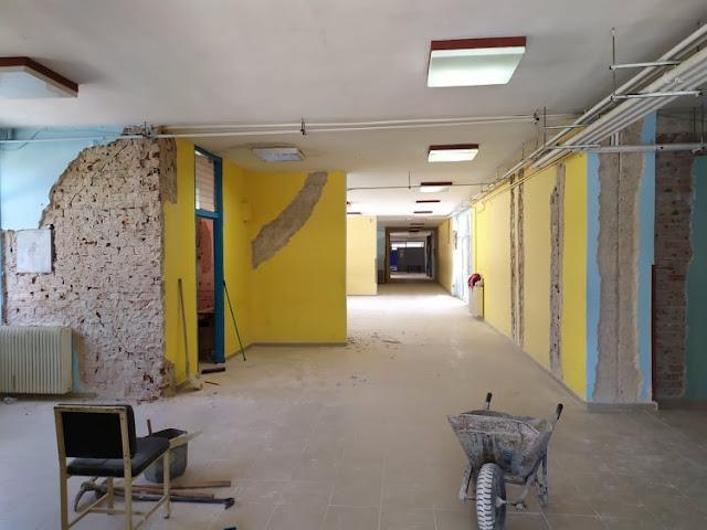 Οι εργασίες αποκατάστασης των ζημιών που υπέστησαν τα σχολικά κτίρια της Δημοτικής Ενότητας Φαναρίου του Δήμου Πάργας και συγκεκριμένα του 1oυ Δημοτικού Σχολείου, του Γυμνασίου - Γενικού Λυκείου και του ΕΠΑΛ Καναλακίου, μετά την σεισμική δόνηση της 21ης Μαρτίου, βρίσκονται σε εξέλιξη.