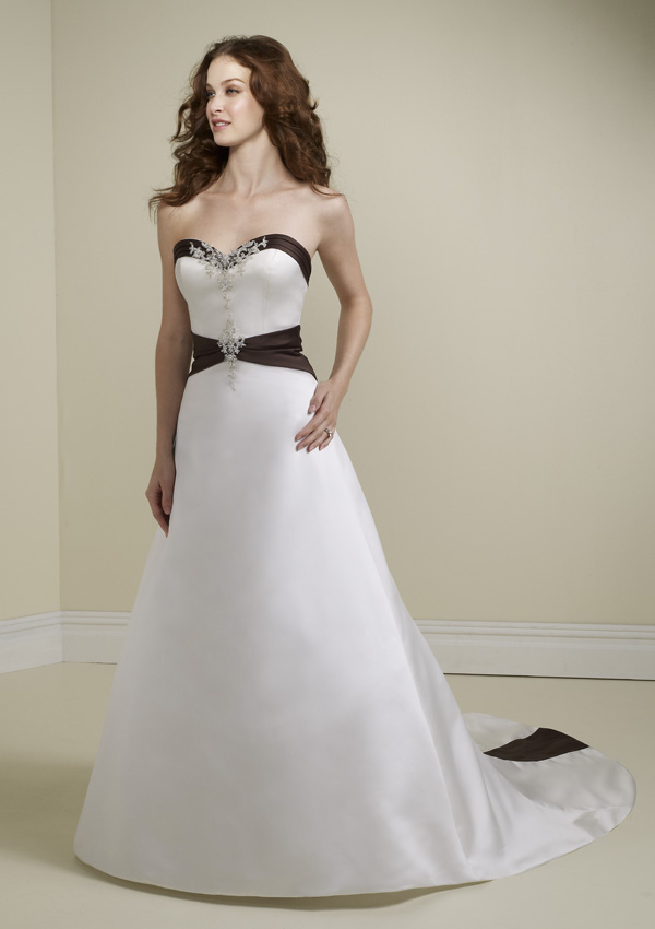 Fashion and life style simple wedding dress for Wedding dresses with red in them