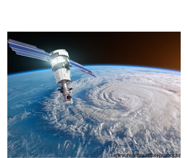 Elon Musk usará seus satélites para receber Internet com banda larga de 99% para todo o Planeta