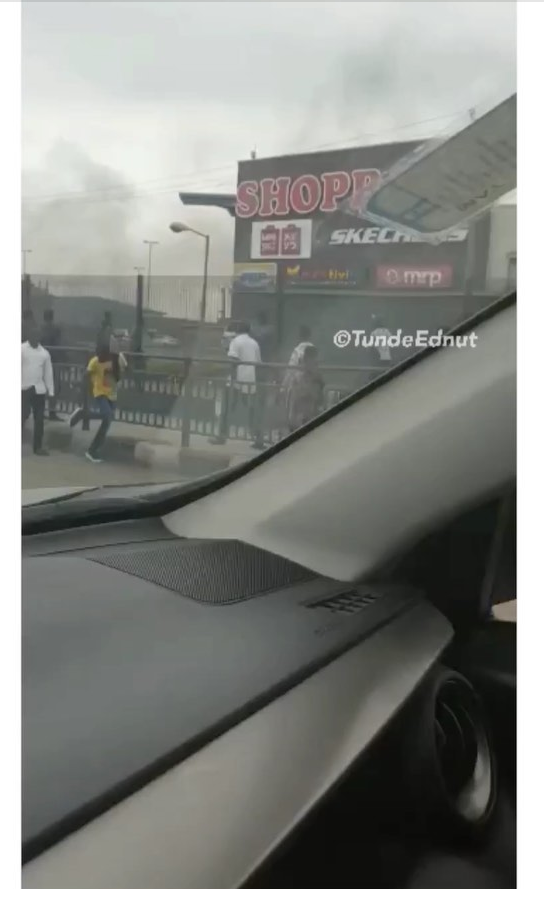 Nigerians Burnt Down Shop Rite In Lagos Video Thenaijafame Blog Dont call me a blogger, i'm an entertainer. nigerians burnt down shop rite in lagos