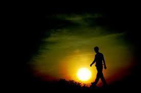 Dalam perjalanan waktu Aku terus melangkah Meski harus melewati Jalan yang gersang  Langkahku kiang lama Semakin gontai dan tak beratur, Membuat batin ini Makin terkikis  Harapan demi harapan mengendap   DALAM PERJALANAN WAKTU  Terselubung di balik awan hitam Dan hanya waktu Yang dapat menjawab semuanya  ~Haries Budjana~