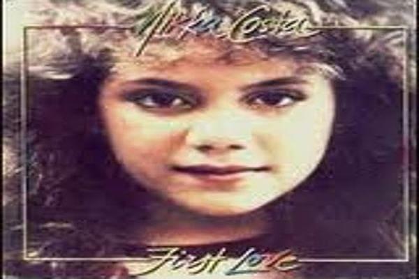 Lirik Lagu Nikka Costa First Love dan Terjemahan