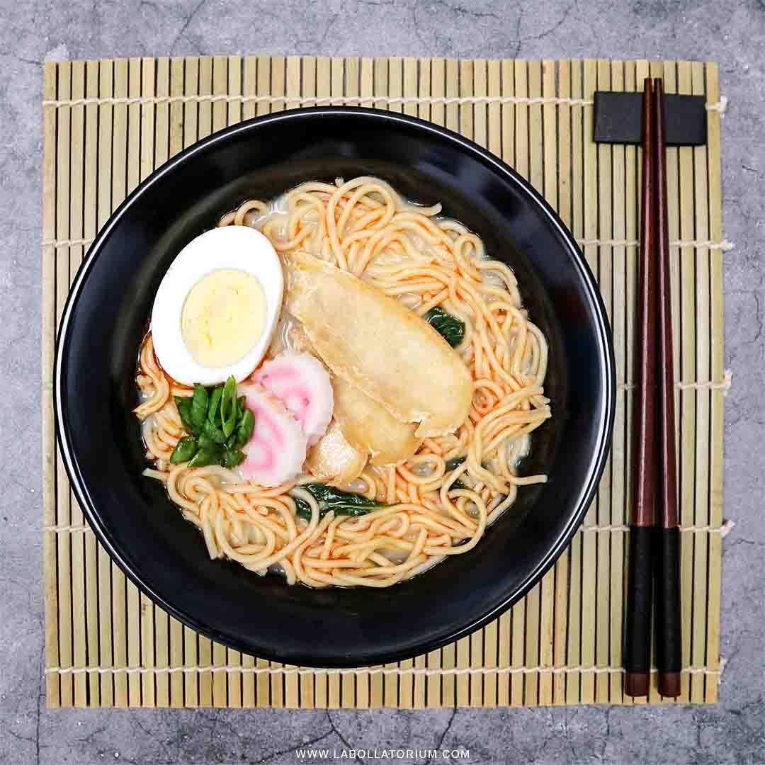 Resep Mudah Upgrade Mie Ramen Instan Nissin Mikuya Flatlay